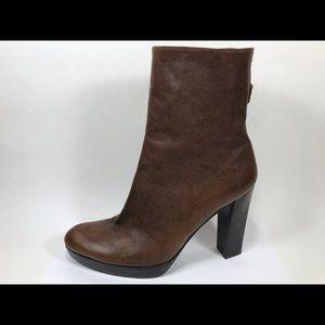 Stuart Weitzman Scoop Leather Ankle Boots 6M